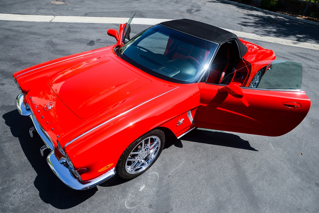The auction of Lot #3001, a 1962 Chevrolet Corvette CRC Conversion, will benefit the Carrington Charitable Foundation, which supports catastrophically wounded veterans.