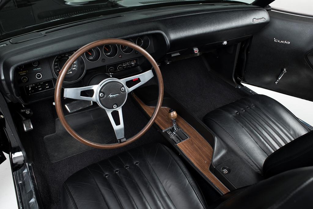 lot-1392-1970-plymouth-hemi-cuda-convertible_interior