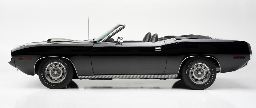 lot-1392-1970-plymouth-hemi-cuda-convertible_side