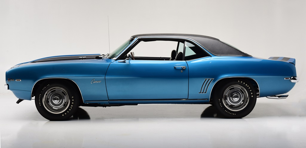 This LeMans Blue 1969 Chevrolet Camaro Z/28 (Lot #699) is ready for the auction block.