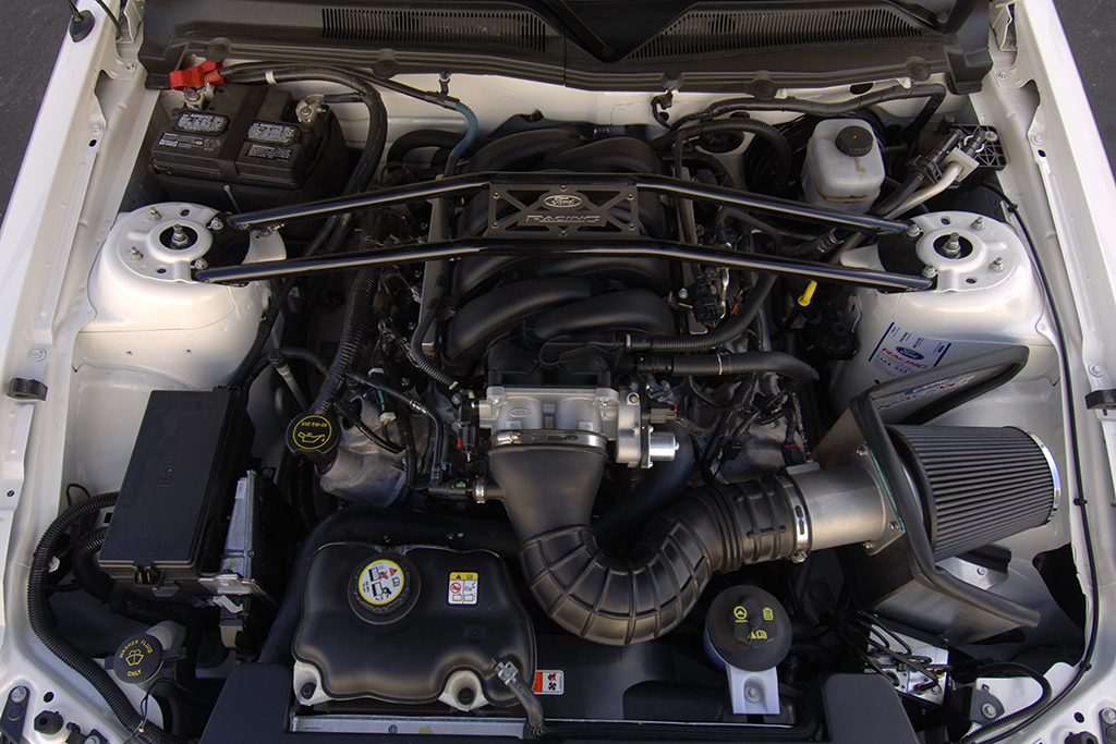 2007 Ford Shelby GT Concerpt Car_engine