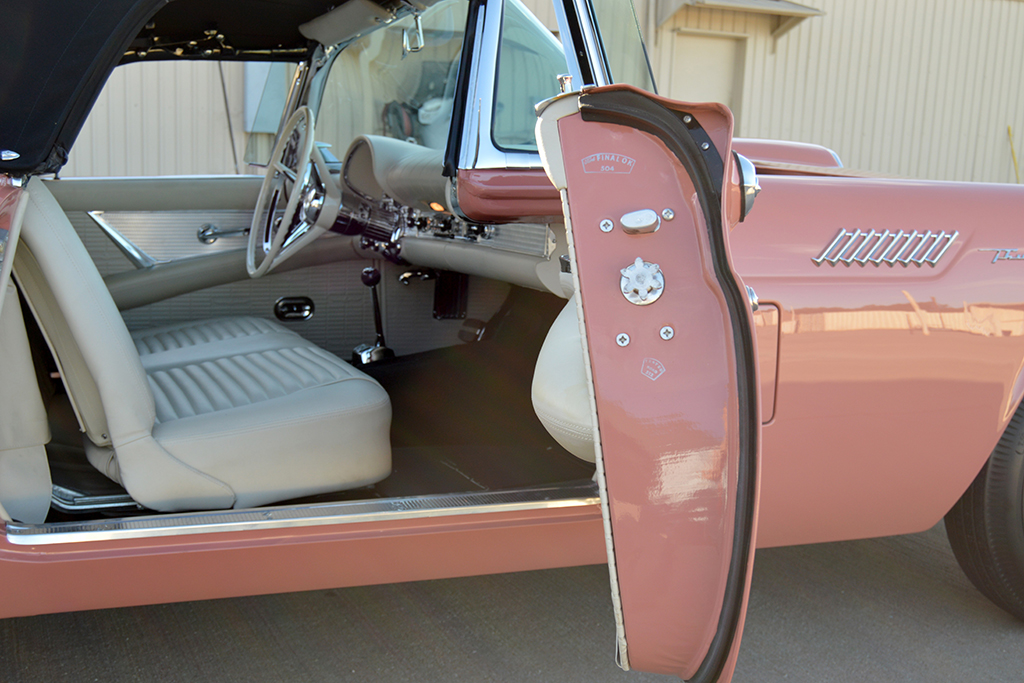 1957 Ford Thunderbird E-Code Convertible for sale classic car auction Scottsdale
