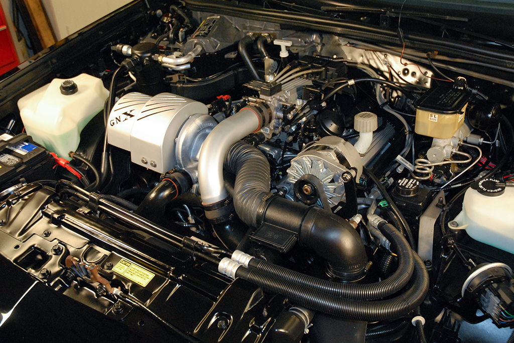 1987 Buick Grand National GNX 003_engine