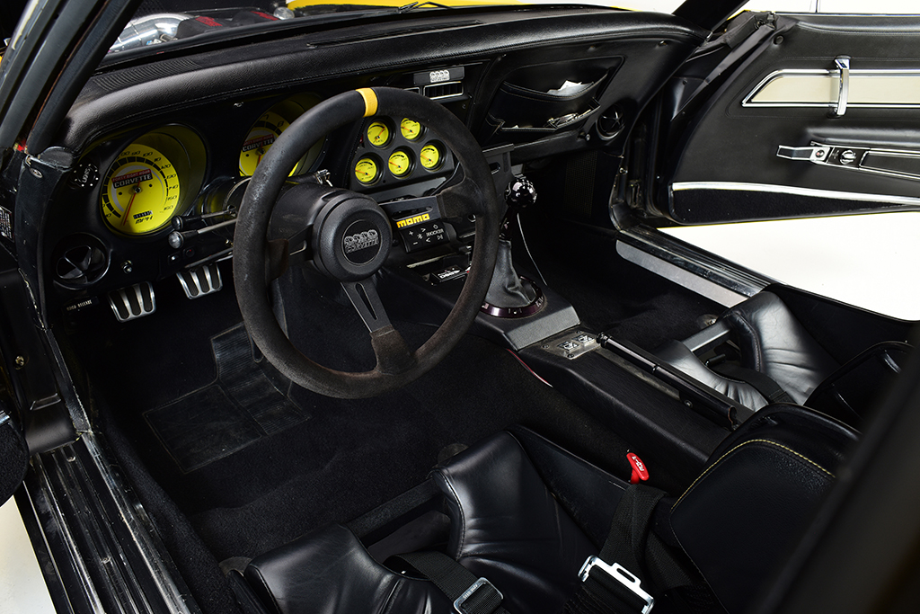 1972 Chevrolet Corvette Coupe_interior