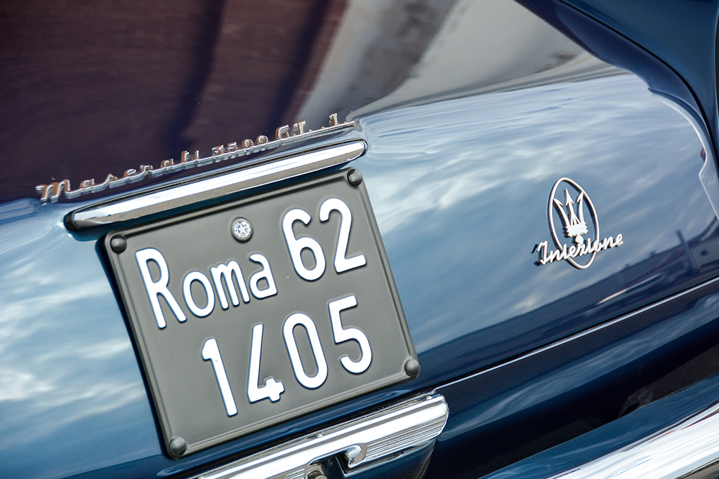 Lot 1394 - 1963 Maserati 3500 GT Vignale Spyder_detail2