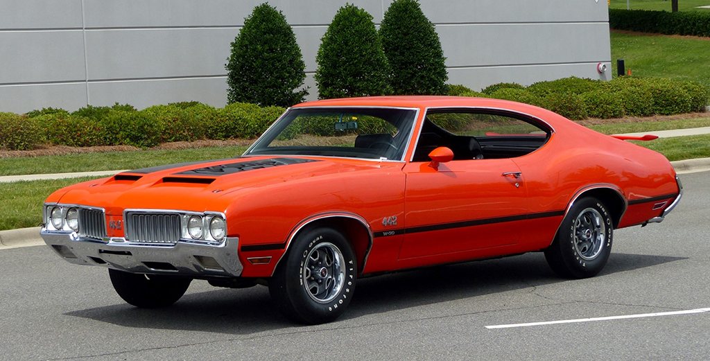 Lot #421 - 1970 Oldsmobile 442 W30 Holiday Coupe