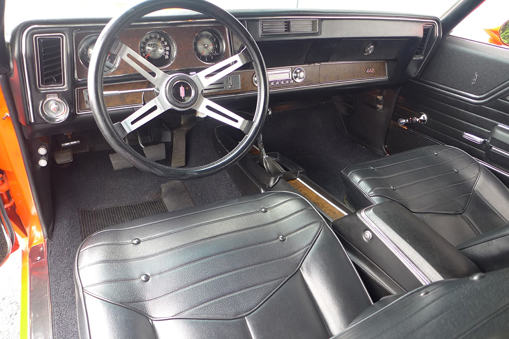 Lot 421 - 1970 Oldsmobile 442 W30 Holiday Coupe_Interior