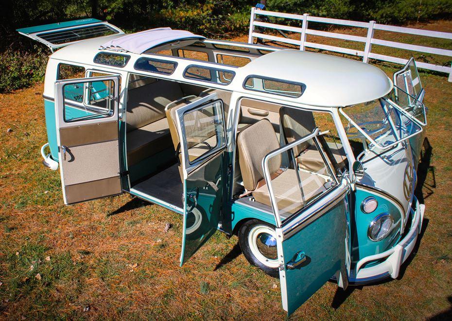 Lot 665.1 - 1966 Volkswagen 21-Window Microbus_doors