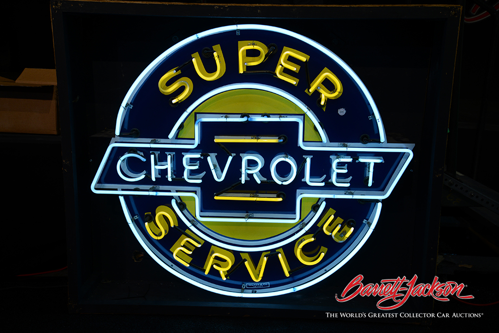Neon service station signs also did well today, with this 1930s-40s Chevrolet Super Service single-sided neon porcelain dealership sign (Lot #6295) going to its new home for $12,650.