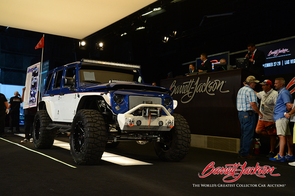 LOT #967 – 2017 JEEP WRANGLER UNLIMITED CUSTOM SUV