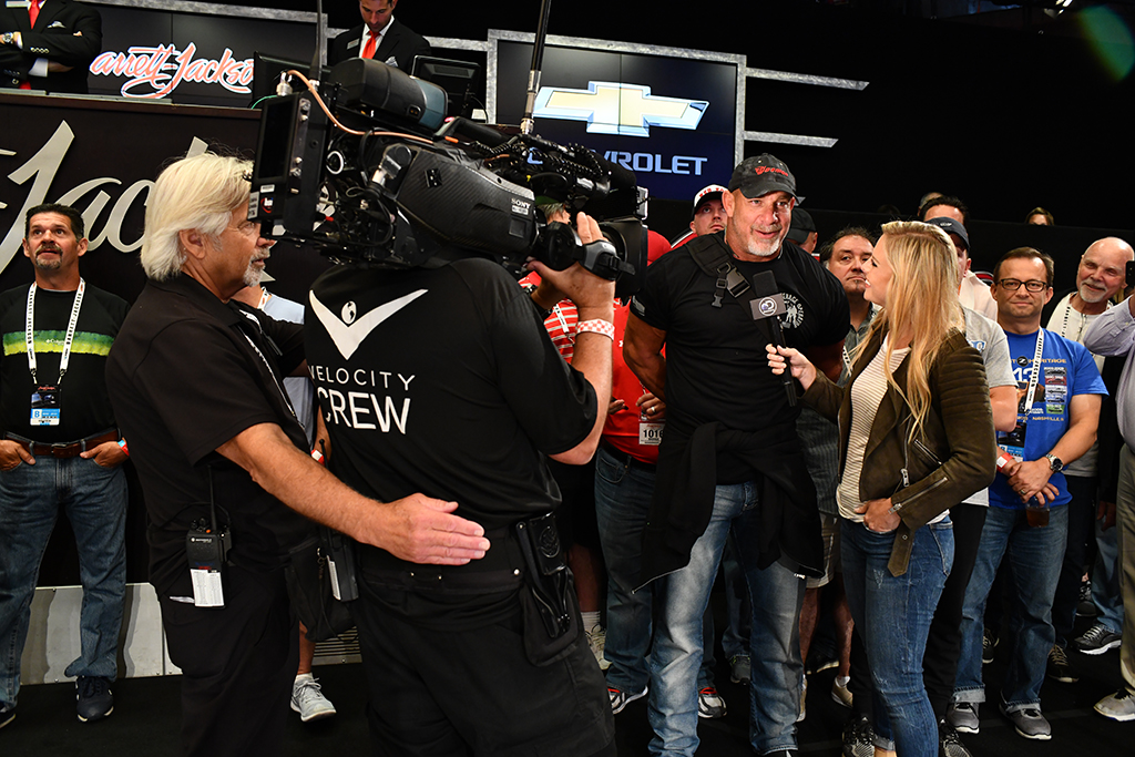 Velocity's Cristy Lee interview actor and professional wrestler Bill Goldberg on the auction block.