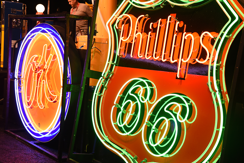 More top-selling neon signs at the Automobilia Auction.